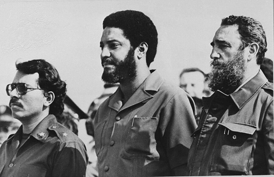 Grenada Sosyalist Maurice Bishop, ada ülkesi Grenada'da yönetimi kansız bir darbeyle 1979'da ele geçirdi. Gelişmeden memnun olmayan ABD, Grenada'nın Sovyetlerin etkisine gireceği korkusuyla ülkeyi 1983'te işgal etti. Bunun sonucunda Bishop öldürülürken, ada ABD'nin etkisi altında girdi.