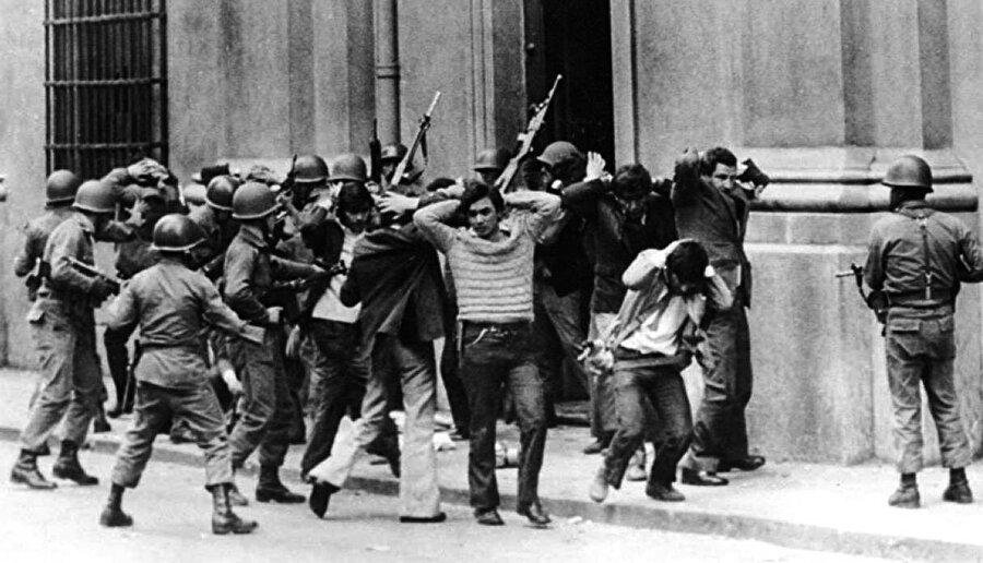 Darbeler ABD bu müdahalelerin yanı sıra Bolivya (1944, 1963, 1971), Brezilya (1964), Şili (1973), Arjantin (1976), Küba (1934), Dominik Cumhuriyeti (1914, 1963), El Salvador (1961, 1979), Guatemala (1963, 1982, 1983), Guyana (1953), Honduras (1963), Meksika (1913) ve Panama'da (1941, 1949, 1969) çok sayıda darbeyi destekledi. Beyaz Saray, çok sayıda eli kanlı diktatörün yanı sıra aşırıcı ve antidemokratik hareketlere destek verdi. ABD'nin bölgede başarısız kalan çok sayıda girişimi de oldu.
