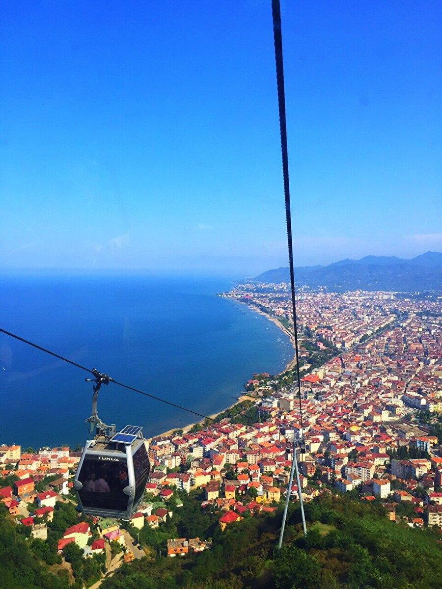 Ordu / Boztepe                                                                                                                 Denize ve gökyüzüne doymak isteyenler maviyi seviyorsanız Ordu'ya uğramayı unutmayın.