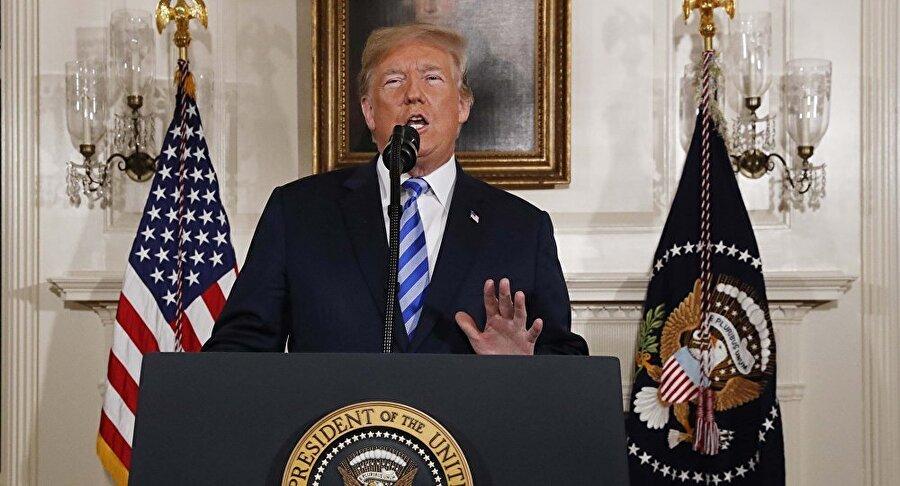 ABD, İran'la nükleer anlaşmadan çekildi                                      Eski ABD Başkanı Barack Obama döneminde Temmuz 2015'te İran ile P5+1 ülkeleri arasında imzalanan, İran'ın 'tarihi bir an', İsrail'in ise 'tarihe geçecek hata' dediği nihai nükleer anlaşma Mayıs 2018'de son buldu. Zira göreve geldiği günden beri anlaşmayı 'korkunç' olarak niteleyen ve bu yüzden Obama'yı suçlayan ABD Başkanı Donald Trump, İsrail'in de etkisiyle ülkesinin anlaşmadan çekildiğini açıkladı.
