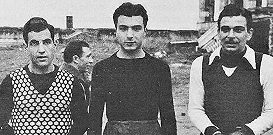 """GALATASARAY'DAN ALINAN BORÇLA TRANSFER EDİLMESİ                                      Baba Hakkı'yı transfer etmek isteyen Beşiktaş, Askeri okula ödenmesi gereken 1.500 liralık tazminatı ödeyecek durumda değildir. Kasada yalnızca 500 bin vardı. Dönemin Beşiktaş Başkanı Şeref Bey, Galatasaray Başkanı Ahmet Kara'dan 1.000 lira borç ister. Bir hafta sonra, siyah beyaz formasıyla ilk kez sahaya çıktığı maçta Galatasaray'a 2 gol birden atar Baba Bakkı. Başkan Ahmet Kara, """"Bu çocuğa bu para helal olsun"""" der ve Beşiktaş'a verdiği 1000 lira borcu geri almayı kabul etmez."""