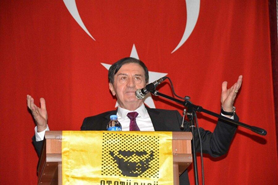 """HEPAR                                       2008 yılında Emekli Tümgeneral Osman Pamukoğlu önderliğinde kurulan """"Başı dik devlet onurlu millet!"""" ve """"Yaşasın vatan, yaşasın Türk milleti!"""" sloganlarıyla seçmenlerin gönlüne girmeye çalışan  Hak ve Eşitlik Partisi; beklediği sonuçları girdiği hiçbir seçimde elde edemedi.    Amblemini Anadolu Kartalı olarak belirleyen parti, Eylül 2009 itibarıyla 52 ilde ve 200'ün üzerinde ilçede teşkilatlanmasını tamamladı ve genel seçimlere girebilecek hakkı kazandı.   Parti 12 Haziran 2011 Genel Seçimlerinde % 0.28oy alarak hayal kırıklığına uğradı.   30 Mart 2014 seçimlerinde hiçbir belediyeyi kazanamayan HEPAR, İl Genel Meclis'nde yüzde 0,07 alabildi.   Parti 7 Haziran 2015 seçimlerine 6 bölgeden bağımsız adaylarla katıldı. Osman Pamukoğlu dahil hiçbir aday seçimlerde yeterli oy oranını alarak Meclis'e girmeye hak kazanamadı.    HEPAR 21 Nisan 2019 tarihinde olağanüstü kurultay düzenledi ve partinin feshedildiğini duyurdu."""