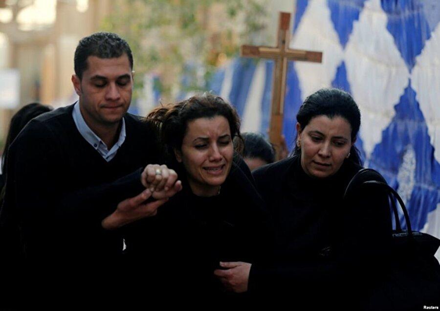11 Aralık 2016- Mısır'da kiliseye saldırı Terör örgütü DAEŞ Mısır'ın başkenti Kahire'de antik Kıpti Ortodoks Kilisesi yanındaki bir Hıristiyan mabetinde bombalı intihar eylemi düzenledi. Mabette ibadet eden 25 kişi hayatını kaybetti.