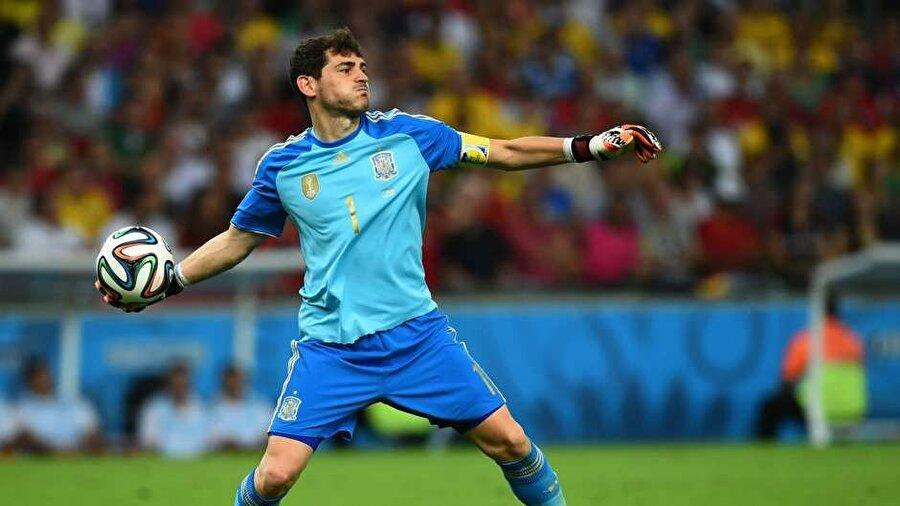 İspanya Milli Takımı'nın kaptanı Casillas, ulusal forma altında da büyük başarılar yaşadı.