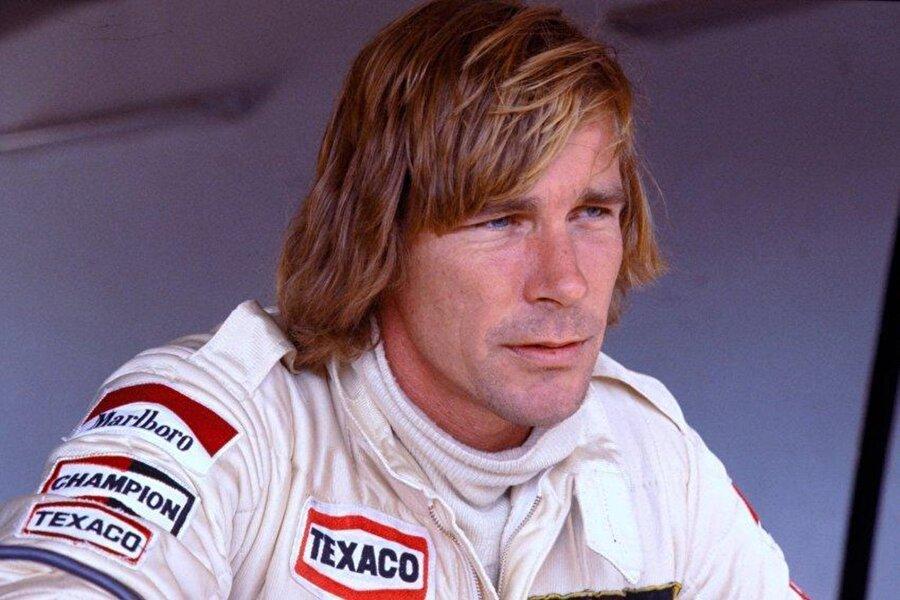 Bu şampiyonluk, James Hunt ile Niki Lauda arasındaki rekabeti farklı bir boyuta taşıdı. Hunt, Niki Lauda'nın tam zıttı bir karaktere sahipti.