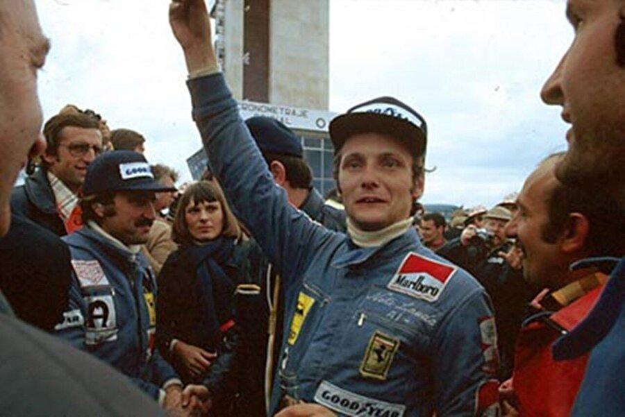 1974'te ilk Formula 1 yarışına çıktı ancak birinci olamadı. Ancak bu ilk yarış, Ferrari'nin ne kadar iyi bir pilot seçtiğini anlamasını sağladı. İkinci yılında, teknik detaylarında kendisinin büyük emek harcadığı arabayla ilk Formula 1 şampiyonluğuna ulaştı.