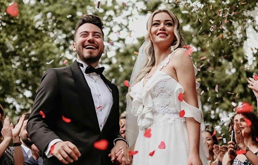 Enes Batur Evliliginin Perde Arkasi Reklam Icin Mi Yapildi
