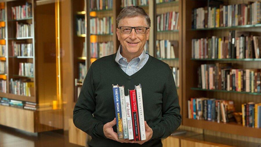 Bill Gates                                      Microsoft'un kuruculuğunu ve CEO'luğunu üstlenen ve dünyanın en zengin insanı olarak bilinen Bill Gates'in okumayı en çok sevdiği kitaplardan birisi de J. D. Salinger'in yazdığı Çavdar Tarlasında Çocuklar. Kitap, 1940'ların sonunda geçiyor ve gençlik çağının içerisindeki bir çocuğun başına gelen olayları anlatıyor.