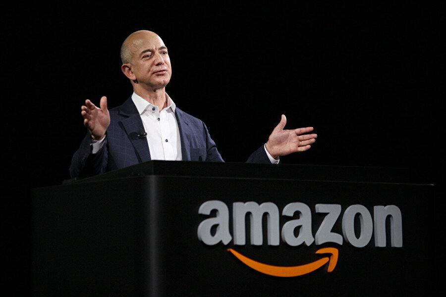 Jeff Bezos                                      Amazon'un kurucusu ve CEO'su Jeff Bezos'un favori kitabı Kazuo Ishiguro tarafından yazılan Günden Kalanlar. Kitap, 2017 Nobel Edebiyat Ödülünü almıştır. Kitap, İkinci Dünya Savaşı öncesi yaşamış, uşaklık yapan bir adamın geçmişiyle hesaplaşmasını anlatıyor.