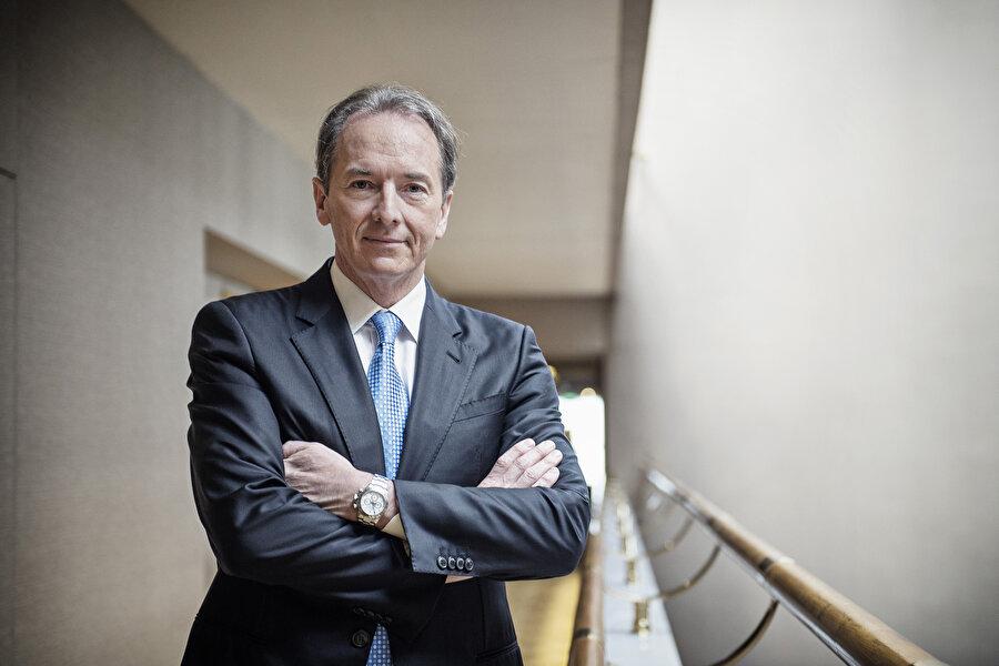 """James Gorman                                      Morgan Stanley CEO'su James Gorman'ın en sevdiği kitap John le Carré'nin """"Tinker, Terziye, Asker, Casus"""" isimli eser."""
