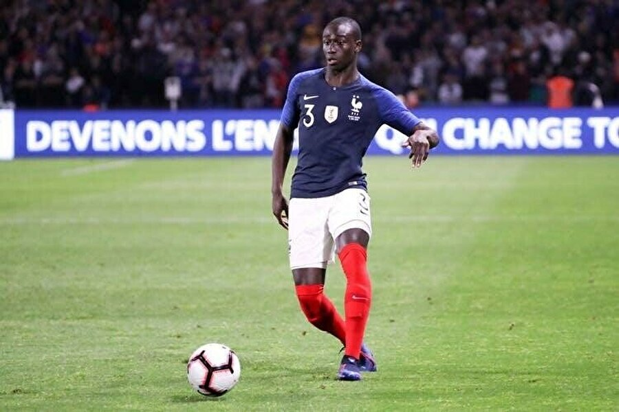 Lyon'da 1 yıl içerisinde yakaladığı ivme, Fransa milli takımının kapılarını açtı.