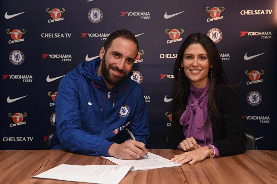 Son 16 yıldır Chelsea bünyesinde çalışan Granovskaia, 2014 yılında resmen yönetici oldu ve şimdi de direktör sıfatıyla transfer pazarlıklıklarını yürütüyor.