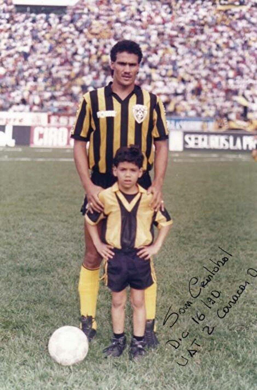 Adını Brezilyalı orta saha Paulo Roberto Falcao'dan aldı. O dönem dünyanın en pahalı transferi olarak Roma'ya gitmişti.