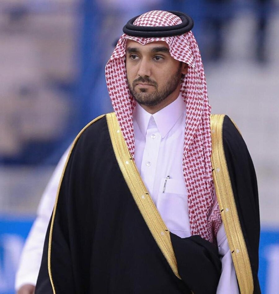 Arabistan'ın Spor Genel Otoritesi Başkanı Prens Abdülaziz bin Türki El Faysal, Al İttihad yönetiminden bu konuyla ilgili açıklama beklediğini ileten bir mektup yazdı.                                      Prens Abdülaziz bin Türki El Faysal.