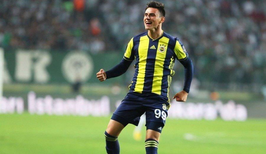 Eljif'in 18 yaşını doldurmadan transfer olması, Fenerbahçe kariyerinin başlangıcında gecikmeye neden oldu. FIFA kuralları gereği 6 ay forma giyemedi.