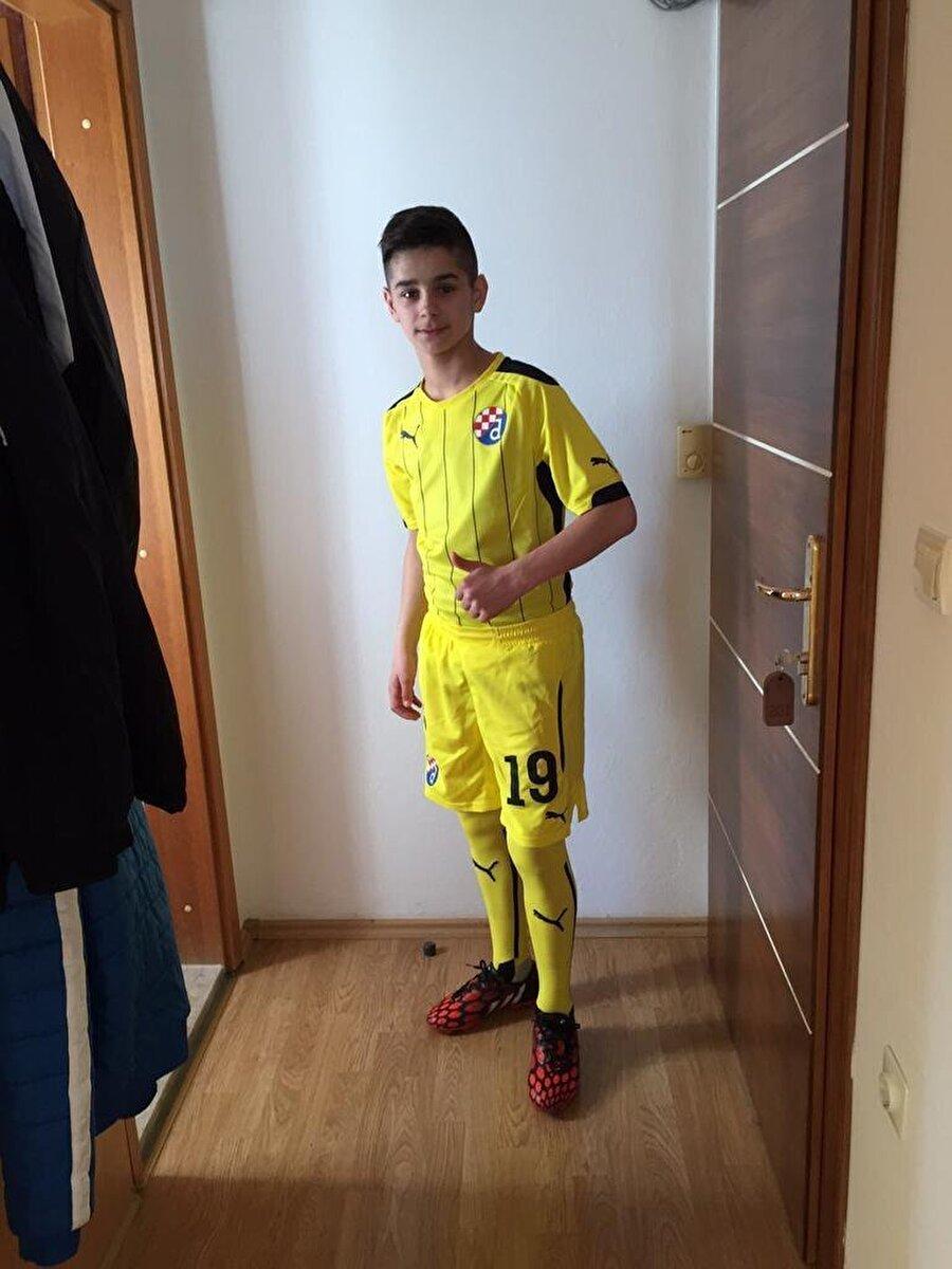 2018 yılında Hırvatistan'ın ikinci liginde mücadele eden Dinamo Zagreb II takımına yükselen Hasic güncel olarak burada oynamaktadır.                                                                                                                                                                                          Hasic 14 yaşında (2015-2016)