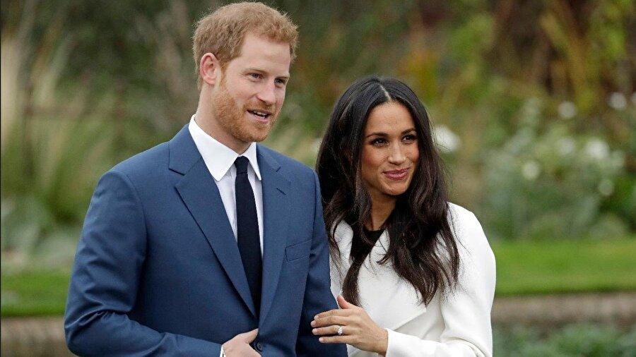 Meghan Markle ve Prens Harry çiftinin birliktelikleri son yılların en çok konuşulan magazin haberlerinin başında yer alıyor. Öyle ki dedikodular alıp başını gittiğinde, Kensington Palace, Prens Harry ve Meghan Markle ilişkisini yazılı bir açıklama ile duyurmak zorunda kaldı.