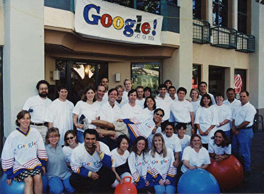 Bu aşamada aslında Google'ın Palo Alto'daki ekibi de büyümeye devam etti.