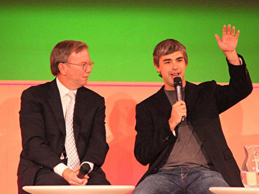 Schmidt 211'de Google CEO'su olarak görev yapmasına rağmen ünvanını Genel Başkan olarak sürdürdü. Page ve Brin'e tavsiyelerde bulunmak üzere Google'da kaldı. Bu sırada Larry Page Google'ın yeni CEO'su oldu.