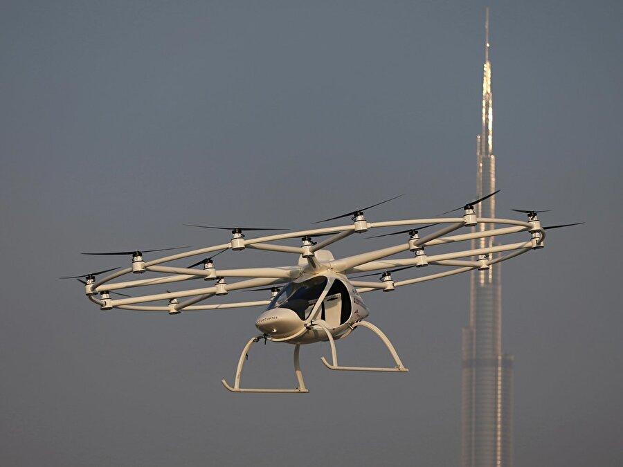 Dubai'nin Karayolları ve Ulaşım İdaresi, Alman şirketinin özerk hava taşıtlarını test etmesini sağlamak için Volocopter ile 2017'de bir anlaşma imzaladı.