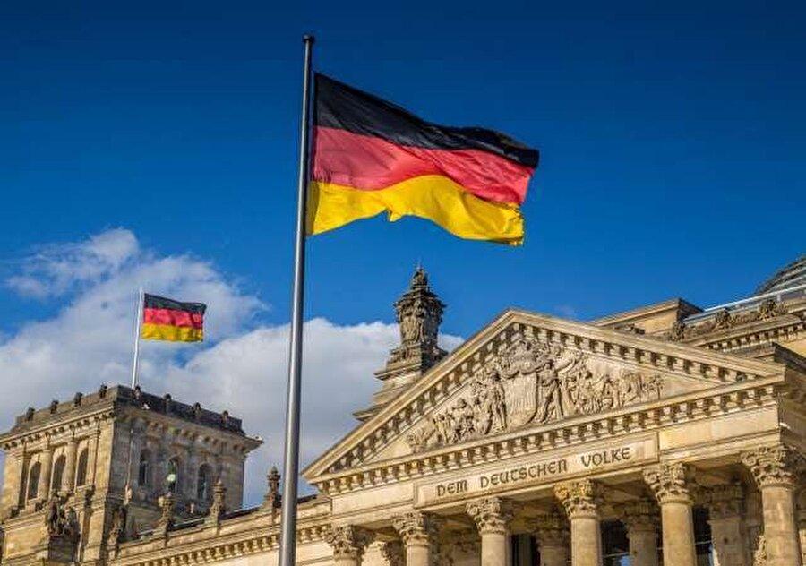 Almanya                                                                            Almanya Dışişleri Bakanı Heiko Maas ,Türkiye'nin adımlarının bölgeyi daha istikrarsız hale getirme ve DAEŞ'in tekrar ortaya çıkmasına yol açma riski taşıdığını söyledi.