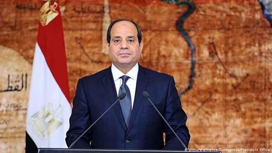 """Mısır                                      Mısır Dışişleri Bakanlığı'ndan yapılan açıklamada, """"Türkiye'nin Suriye topraklarına yönelik saldırısını en sert şekilde kınıyoruz"""" denirken, harekâtın """"Bir Arap devletinin egemenliğine açık ve kabul edilemez bir saldırı olduğu"""" belirtildi."""