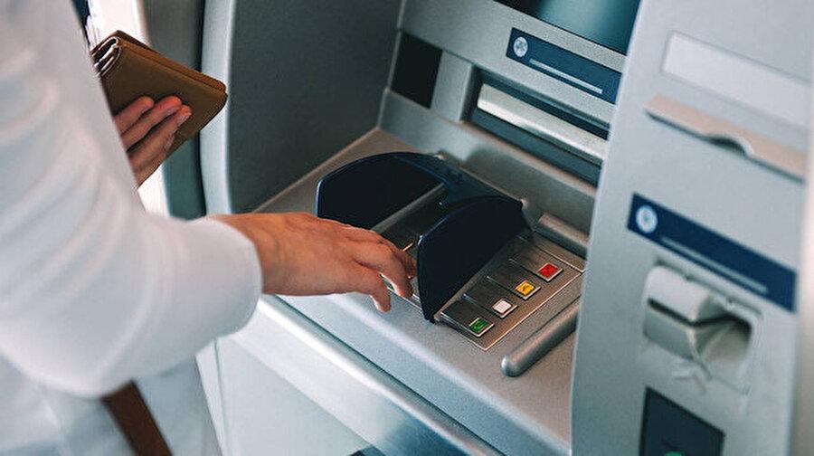Bankalardan bir işlem ücreti daha: Limiti aşan ekstra para ödeyecek