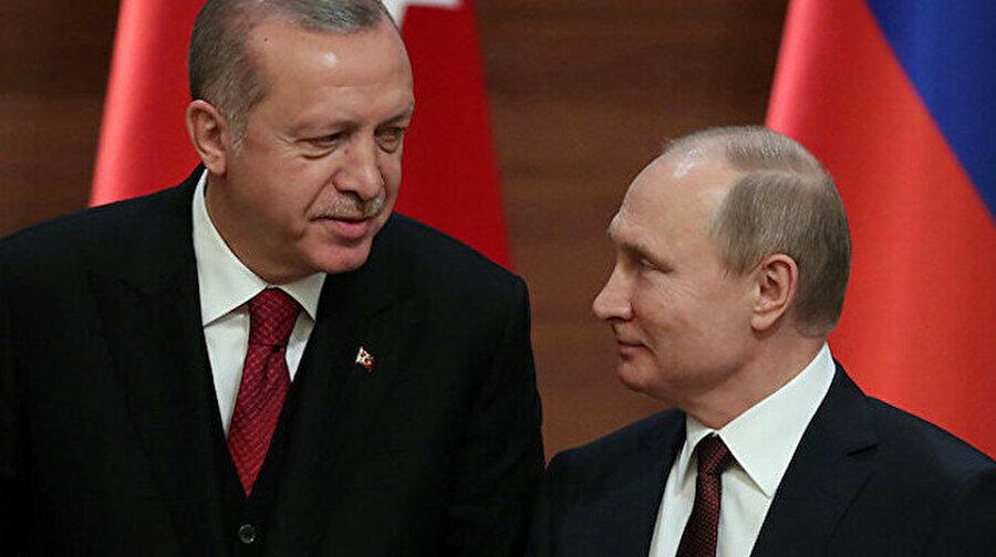 Cumhurbaşkanı Erdoğan, Putin ile telefonda görüştü Cumhurbaşkanı Erdoğan, Rusya Devlet Başkanı Putin ile telefonda görüştü. Erdoğan-Putin görüşmesinde, Libya ve Suriye başta olmak üzere bölgesel konular ve ikili ilişkiler ele alındı.