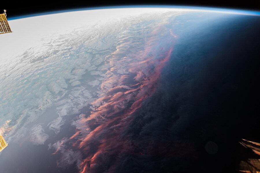 Uzaydan gün batımı