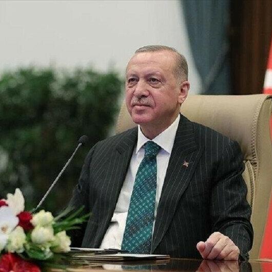Erdogan greets UDB members, Turkish journalists in Netherlands over phone