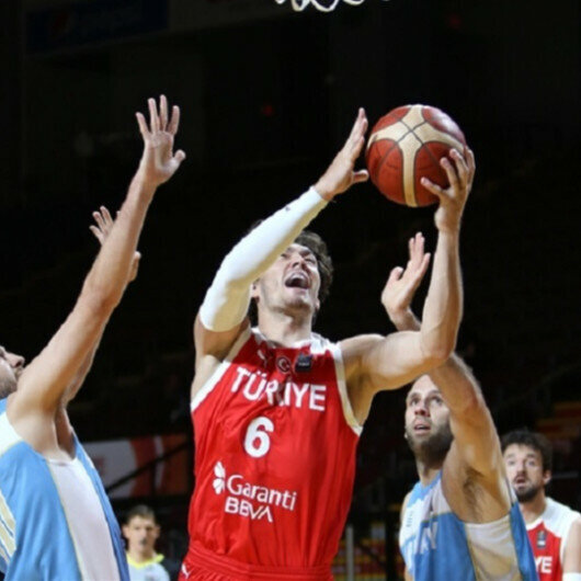 Cedi Osman leads Turkey to 95-86 win over Uruguay at Olympic qualifiers