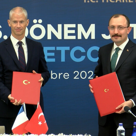Turkey, France vow to boost trade, investment