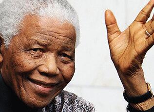 Mandela hayatını kaybetti