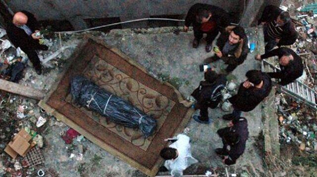 Halıya sarılı ceset bulundu