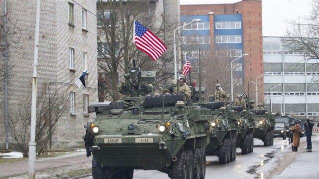 Amerika Rus sınırında gövde gösterisi yaptı