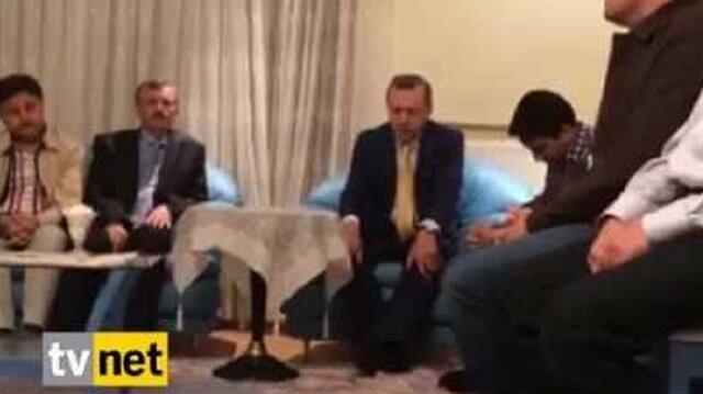 Erdoğan şehidin evinde Kuran-ı Kerim okuyor