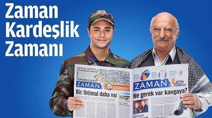 Vatandaşın tuttuğu sayfada 'ne gerek var kavgaya' manşeti yer alırken, askerin elinde ise 'bir ihtimal daha var' ifadelerinin olduğu görülüyor.