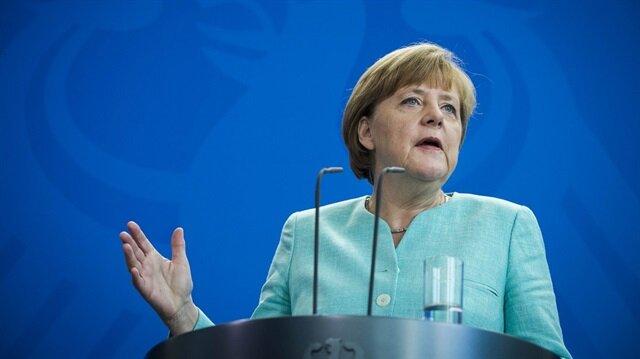 Merkel AB liderleri ile görüşecek