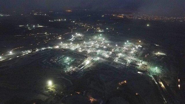 3. Havalimanı inşaatı gece de devam ediyor