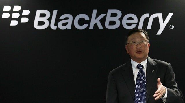 Blackberry, akıllı telefon işini resmen bıraktı