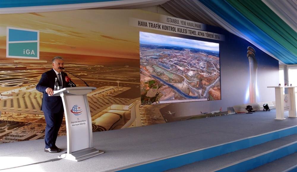 Ulaştırma, Denizcilik ve Haberleşme Bakanı Ahmet Arslan 3. havalimanında hava trafik kontrol kulesi temel atma törenine katıldı.