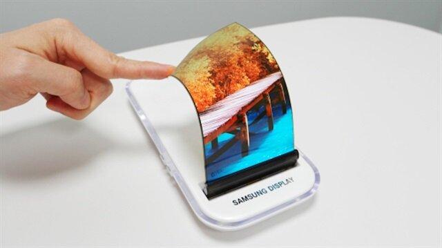 Samsung'un katlanabilir telefonu modüler kameraya sahip olacak