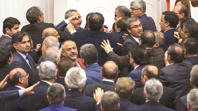 Meclis'te HDP terörü