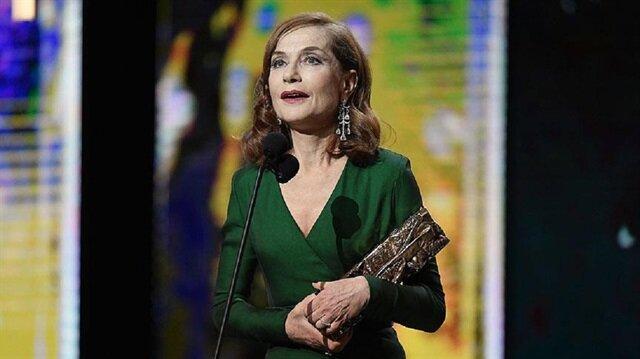 """Fransa'nın Oscar'ında en iyi film """"Elle"""""""
