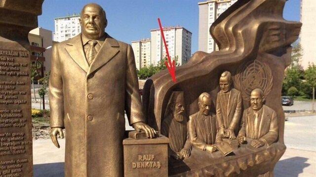 CHP'li belediye Türk düşmanı başpiskopos Makarios'un heykelini dikti