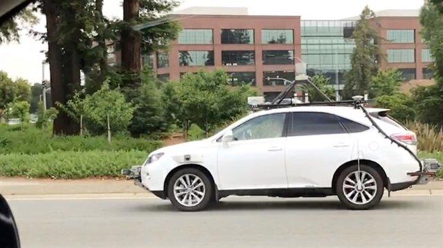 Apple tam gaz devam ediyor: Sürücüsüz otomobil ilk kez seyir halinde görüntülendi