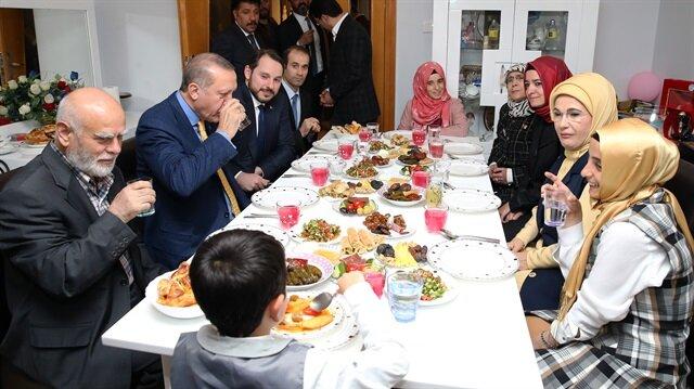 Cumhurbaşkanı Erdoğan şehit ailesiyle iftar yaptı