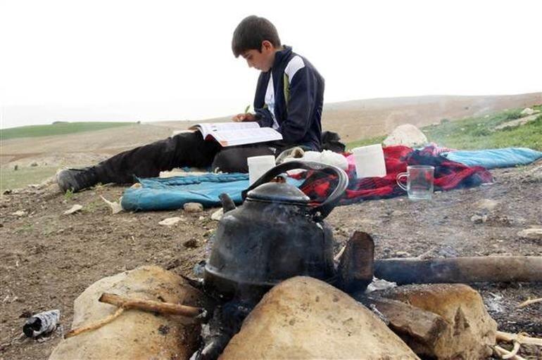 Habib Bitkin çobanlık yaparken derslerine çalışarak bu başarıyı elde etti.