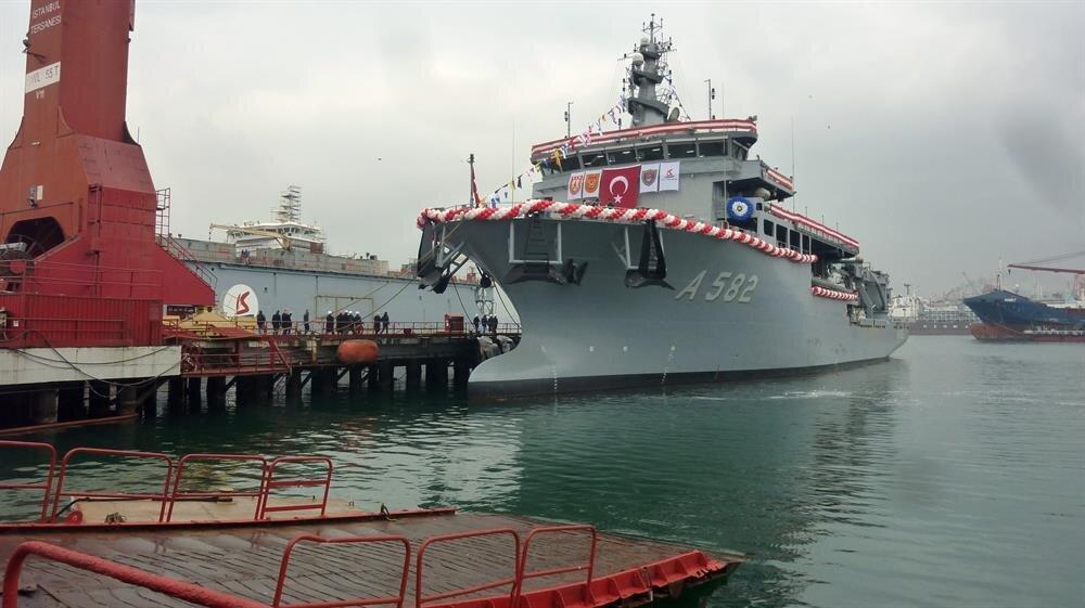 Denizaltı kurtarma gemisi TCG Alemdar (A-582), 28 Ocak 2017 tarihinde Deniz Kuvvetleri Komutanlığına teslim edildi.