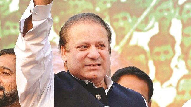 Pakistan'da Navaz Şerif istifa etti